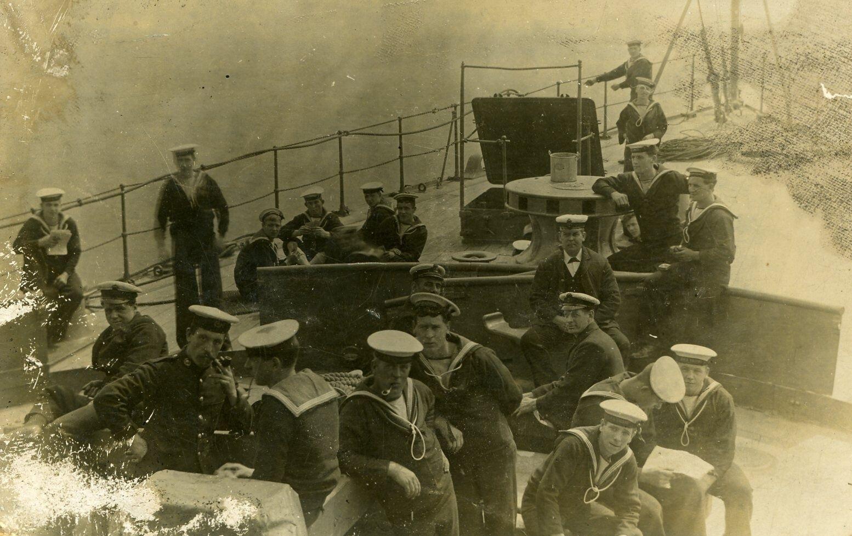 62a0cb34ec1ee Navy – Doncaster 1914-18